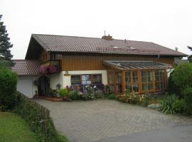 Ferienwohnungen Weigl, Bad Birnbach (Brandstatt yakınında)