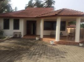 A & M Beach House, Аккра (рядом с городом Mpuase)