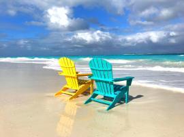 Beach Villa at Casa Del Mar Luxury Villas, Moss Town (Jimmy Hill yakınında)
