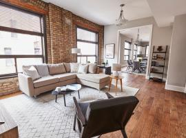 Three-Bedroom on N Wells Street Apt 2