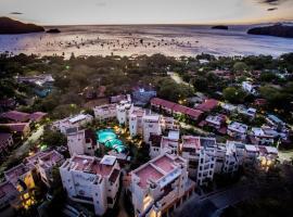 Tropical Gardens Suites and Apartments, Coco (Cacique yakınında)