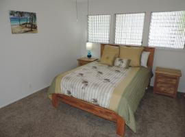 Newly Renovated Waterfront Home: Perfect for Families or Business Travelers!, Honolulu