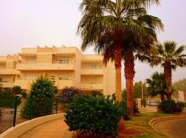 Apartment on Avda. Juegos del Mediterráneo 17, Almería (Retamar yakınında)