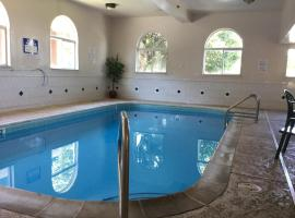Americas Best Value Inn and Suites Saint Charles, St. Charles