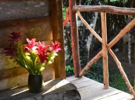 Jikira Lodge, Limoncito