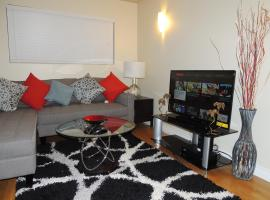 Cozy Apartment Mins From Downtown (Free Parking)