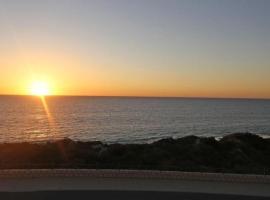 Quinns Beach Stay One, Jindalee