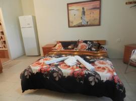 Desert Inn, Neve Zohar