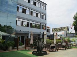 Hotel Patriota, Luanda (Benfica yakınında)