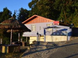 The Red Chilly a Homestay Resort, Soreng (рядом с городом Naya Bāzār)