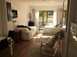 Studio in Beautiful St Heliers Bay