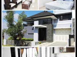 Azy Villa, Malang