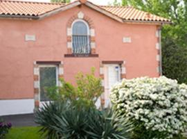 Chambres d'Hôtes Au Grillon Dort, Мусте (рядом с городом Liposthey)