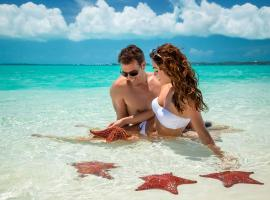 Sandals Emerald Bay Golf, Tennis and Spa All Inclusive Resort - Couples Only, Georgetown (Farmer's Hill yakınında)