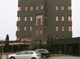 Hotel Plaza, Mladá Boleslav (Kosmonosy yakınında)