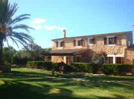 Casa Torrent, Campos