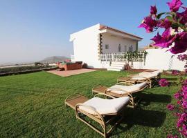 Villa Albe, jacuzzi con vistas al mar, Арона