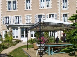 Chambres d'Hôtes La Brasserie, Montmorillon (рядом с городом Moulismes)
