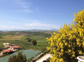 Ciuci's Manor, Aragona (Sant'Angelo Muxaro yakınında)