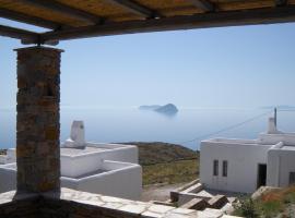 Liotrivi Houses, Kithnos (рядом с городом Dhriopís)