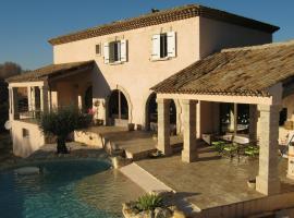 Mas provençal, Poussan (рядом с городом Gigean)