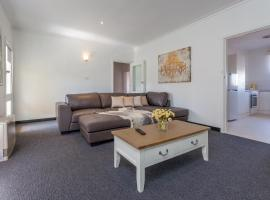 best 30 hotels cheap places to stay near ballarat. Black Bedroom Furniture Sets. Home Design Ideas