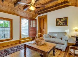 One Bedroom Duplex Farmhouse