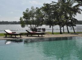 Bolgoda Lake Villa