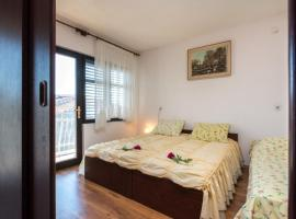 Apartments Radic, Марина (рядом с городом Vrsine)