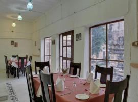 Fort Auwa Heritage Hotel, Awa (рядом с городом Pāli)