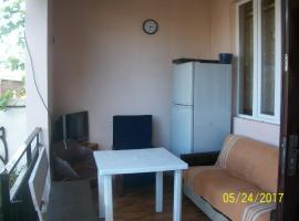 Apartment on Bagrationi 43, P'ichvnari