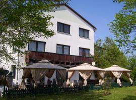 Hotel Zum Grünen Tor, Hoppegarten (Neuenhagen yakınında)