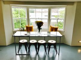 Bedford Loft Apartment, Worthing