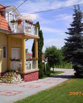 Anikó Apartmanház