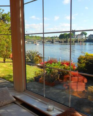 Killaloe Station House Luxury Waterfront B&B