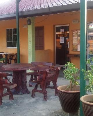 Tokman Inn