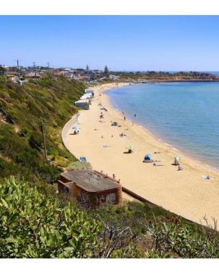 Temple Charm: Mornington Beach