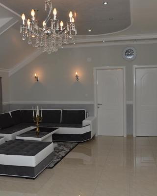 Apartments Royal Menex