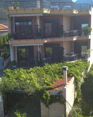 Nikolitsa Apartments
