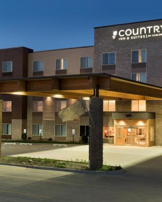 Country Inn & Suites by Radisson, Indianola, IA