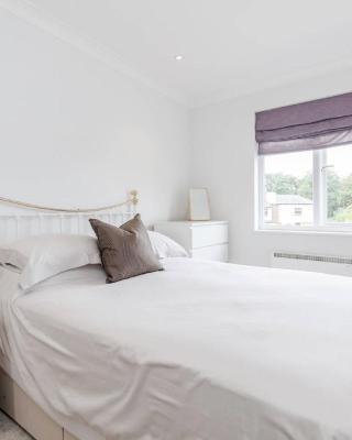 Warlingham Village Green Apartment