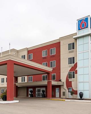 Motel 6 - Moosomin