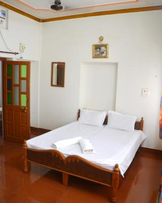 Gajanand Guest House