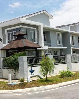 VVIP Homestay Villa Proton City