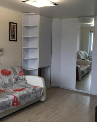 Apartment 50 let Oktyabrya, 9/4
