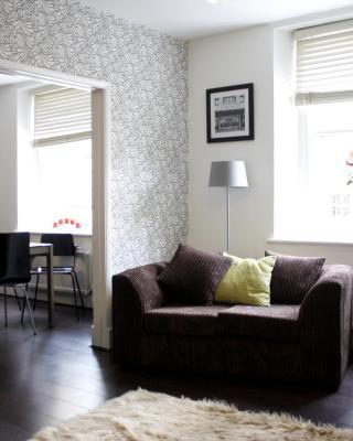 Licatas Apartment Cirencester - Sleeps 6