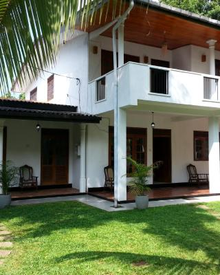 Thamaya house