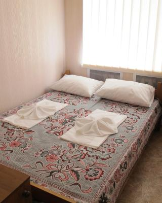 Uyutniy Hostel