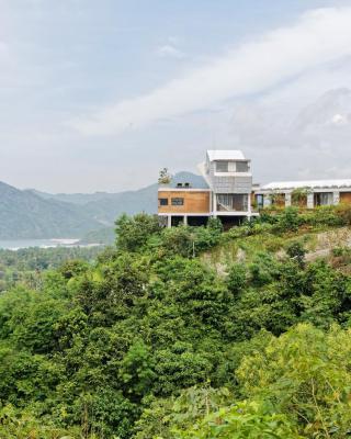 Seven Havens Residence
