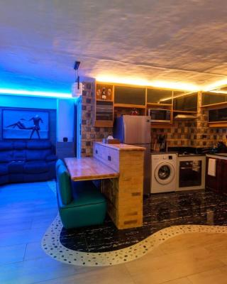 CLOCKWORKORANGE Luxury Suites